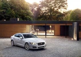 Jaguar XE portada