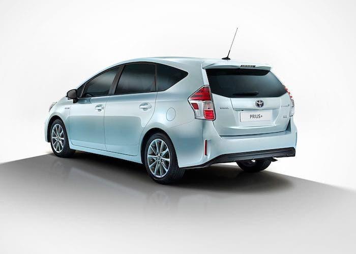 Trasera Toyota Prius+ 2015