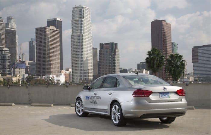 Volkswagen también se pasa a la pila de combustible con el Golf y el Passat HyMotion