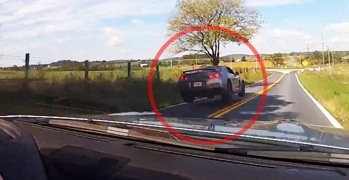 Nissan GT-R a toda velocidad