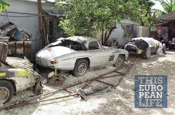 Un Mercedes 300SL oxidado en Cuba