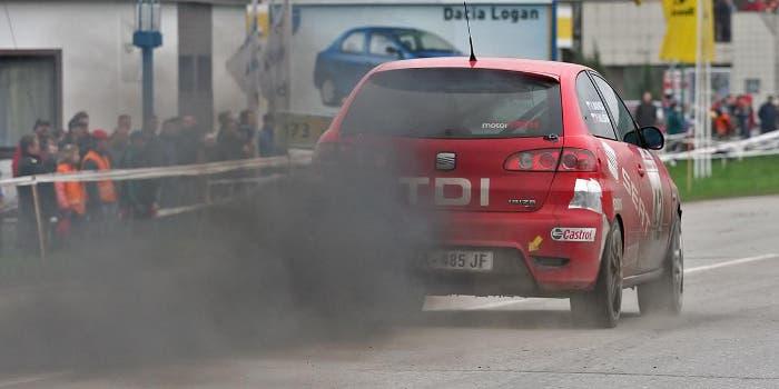 Humo negro de vehículo diésel