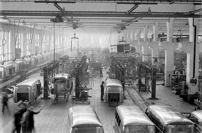 Factoría de la Volkswagen T1 en 1956