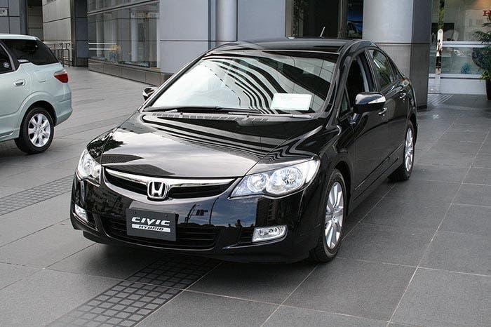 Honda Civic Hybrid en un concesionario