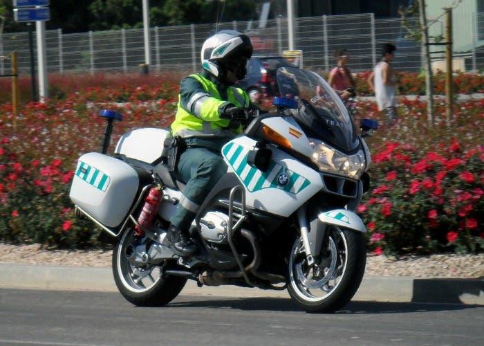 Guardia Civil de Tráfico en moto