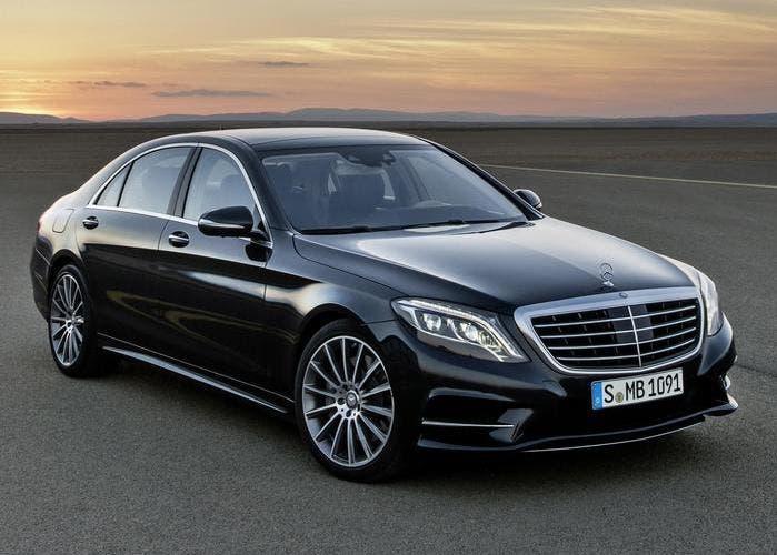 Mercedes Clase S negro