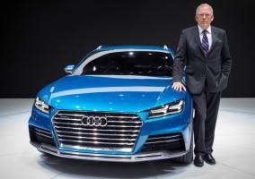 Ulrich Hackenberg con un concept Audi