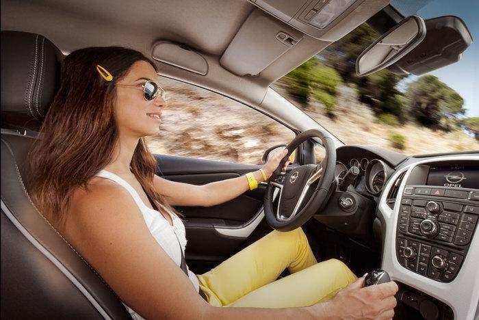 Conductora  en Opel