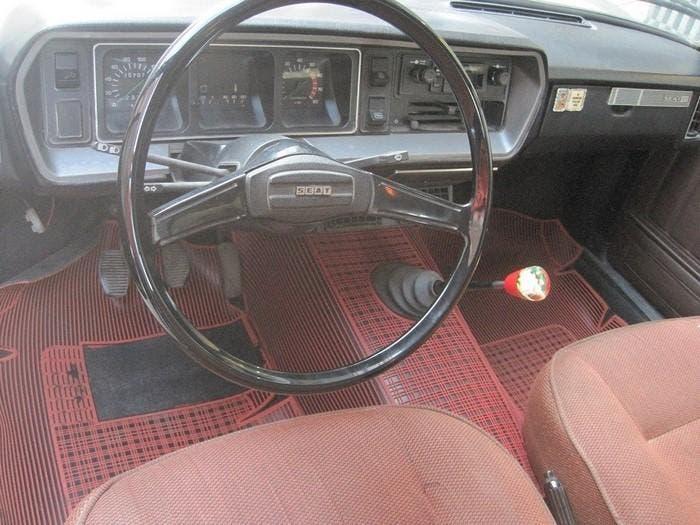Salpicadero del SEAT 131