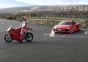 Audi R8 y Ducati Isla de Man
