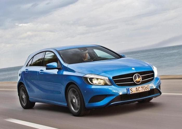 Mercedes Clase A azul