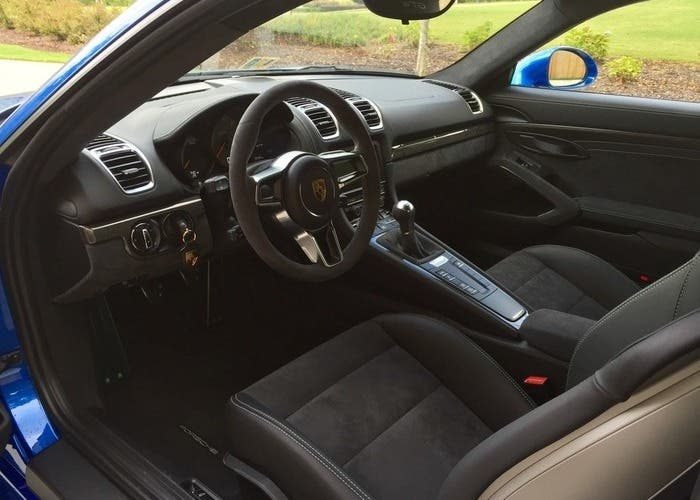 Porsche Cayman GT4 interior