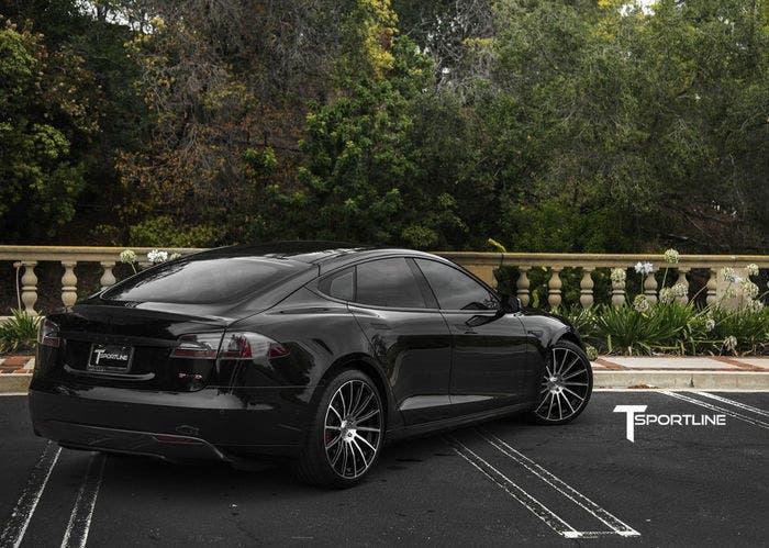 Tesla Model s T Sportline back