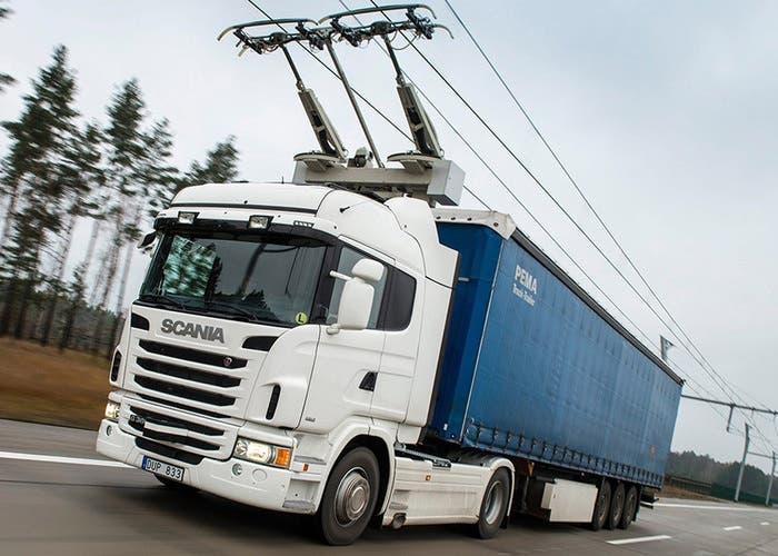 Camión con catenaria