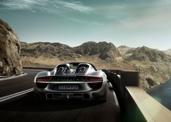 Porsche 918 Spyder back