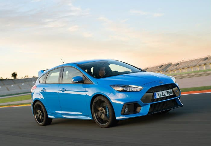 Ford-Focus_RS-2016