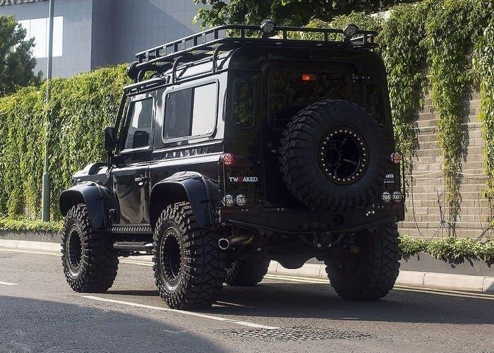 Land Rover Defender Spectre 02
