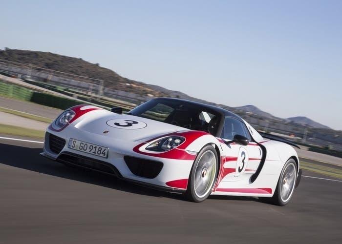 Porsche 918 Spyder 01