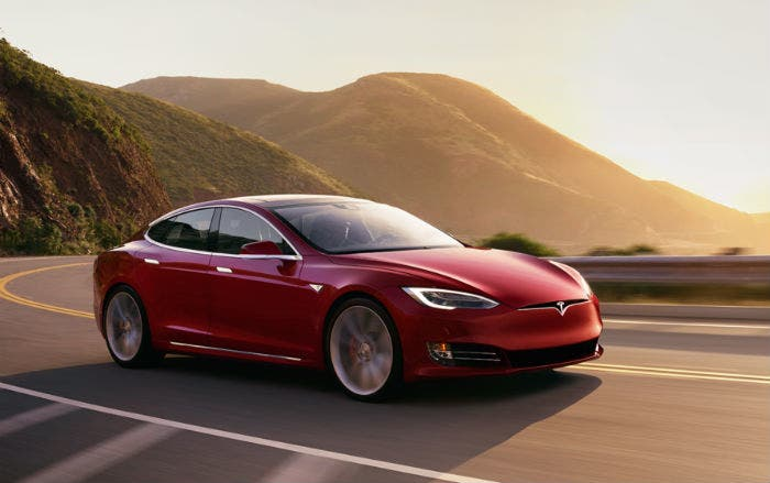 Tesla-Model-S-rojo