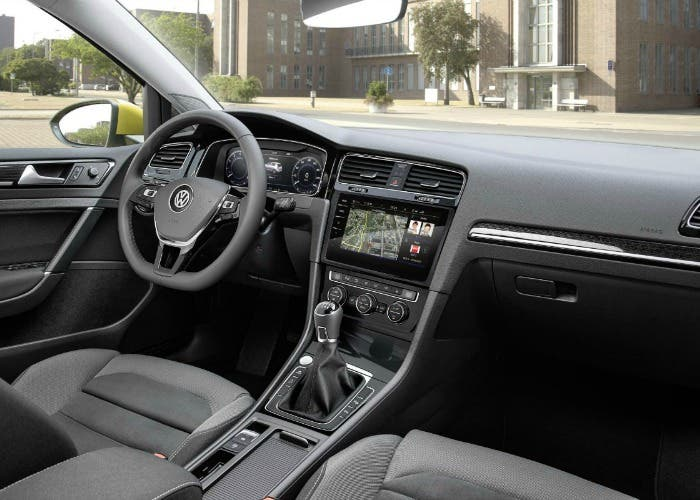 Interior del Volkswagen Golf 2017