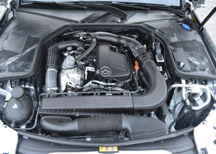 Mercedes-Benz motor