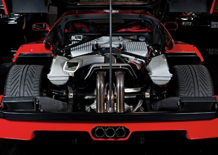 Vista trasera motor biturbo del F40